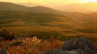 福岡からのドライブスポット!山口県秋吉台の秋の夕日