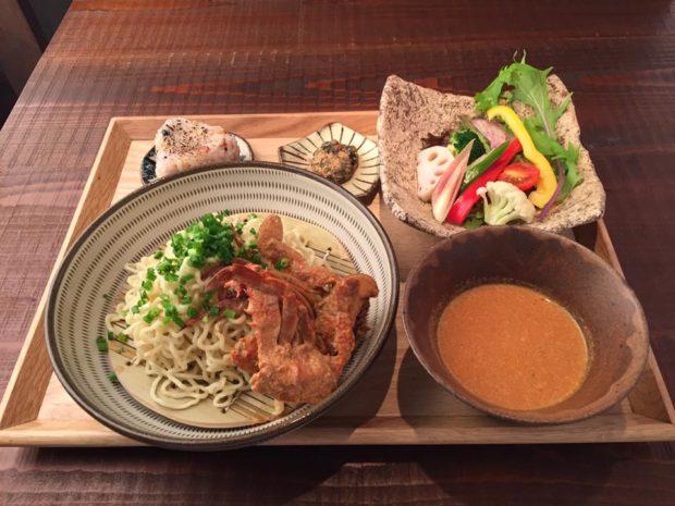 渡りガニのつけ麺御膳 出典:筥崎鳩太郎商店