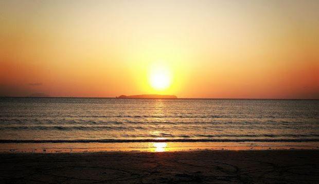 福間海岸の夕日