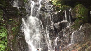 糸島「白糸の滝」福岡市から30分で滝遊び!渋滞に注意