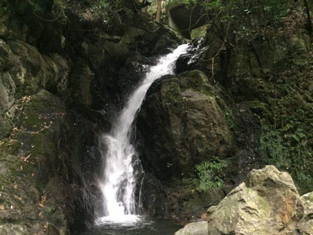 魚返りの滝