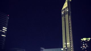 9月30日福岡タワーが真っ赤にライトアップ!