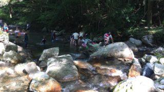 福岡の川遊びスポット「野河内渓谷」きれいな水と沢登りを満喫