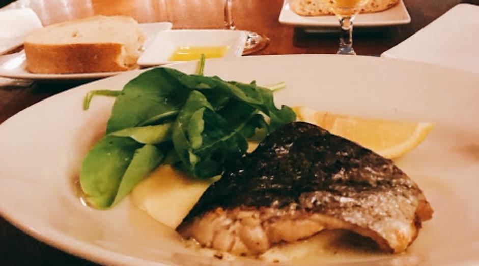 オールデイラウンジ魚料理