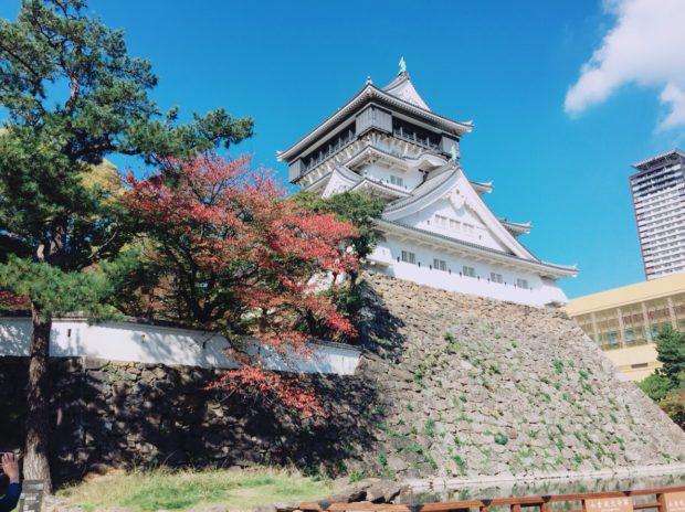 小倉城と紅葉